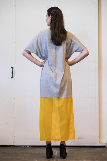 Batwing långklänning grå/gul
